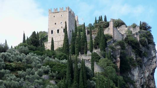 castle-2747106_1920